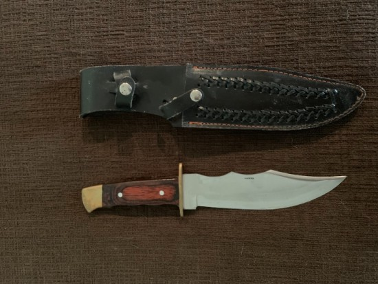 Pakistan knife with sheath